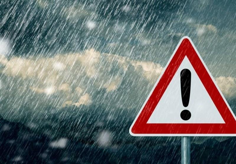 آبگرفتگی معابر و اختلال در تردد جاده های شهری در برخی استان ها، آسمان پایتخت همچنان بارانی است