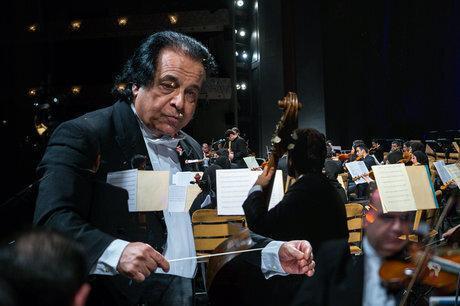 علی رهبری: موسیقی هیچ گاه و به هیچ شکلی نباید تعطیل گردد