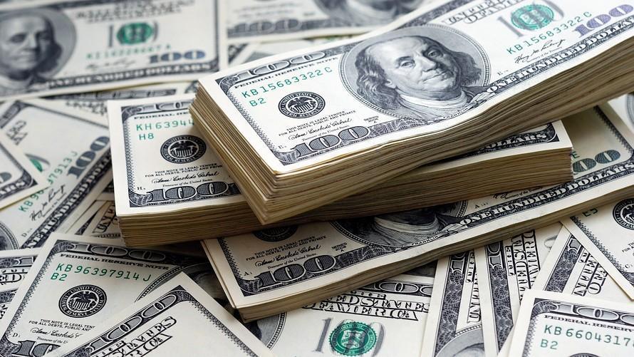 دلار همچنان در مدار افزایشی، یورو یک گام تا 17 هزار تومان
