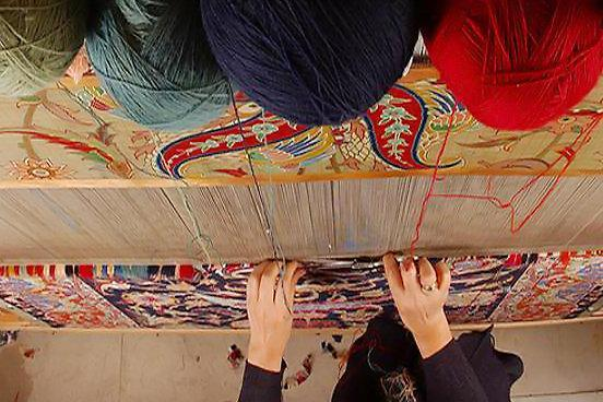 سال گذشته 49 هزار متر مربع فرش در استان همدان بافته شد