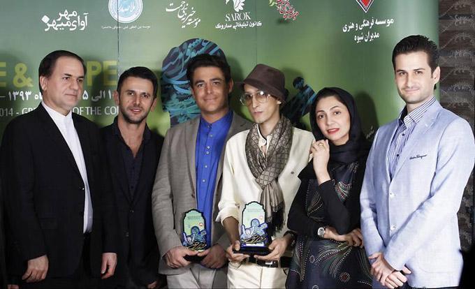 عکس یادگاری مرتضی پاشایی با محمدرضا گلزار، پویا امینی و نیلوفر خوش خلق