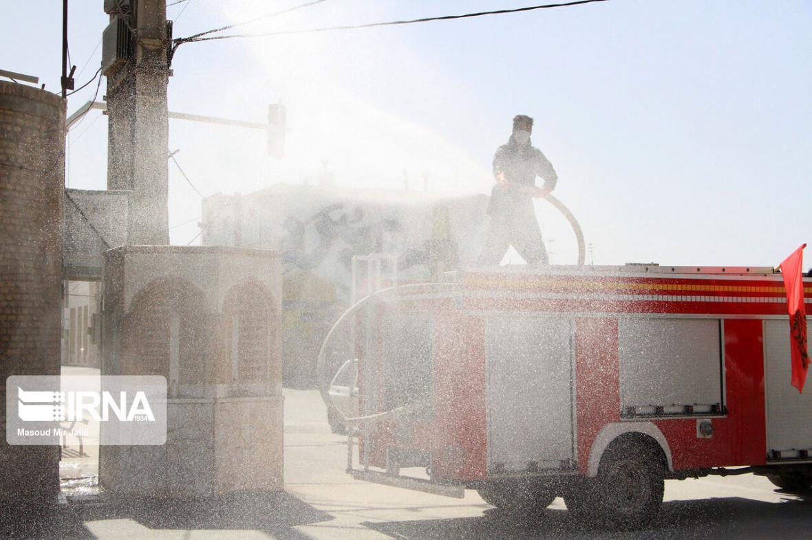 خبرنگاران ضدعفونی نقاط حساس شهری مشهد به صورت مستمر انجام می گردد