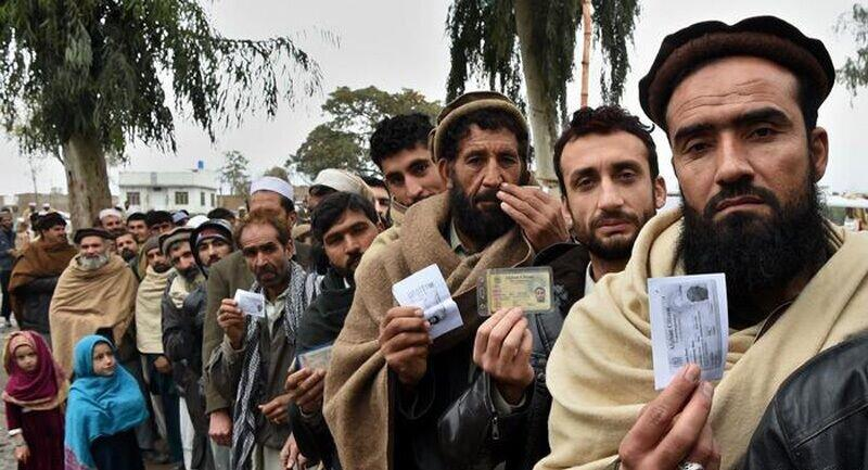 حضور مهاجران افغان در ایران قانونمند می گردد