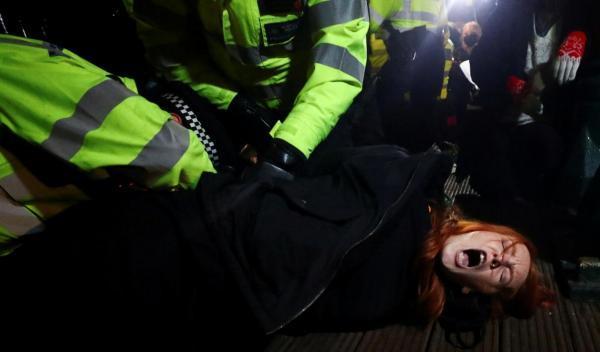 اعتراض در بریتانیا به قتل زن توسط پلیس