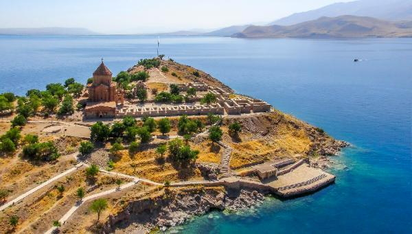 جزیره آختامار؛طبیت بی نظیر شهر وان ترکیه