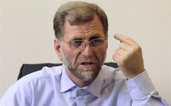 عزتی: دولت به جای اخذ مالیات پول بدون پشتوانه چاپ کرد، ساده ترین راه انتخابی دولت به ضرر معیشت مردم تمام شد