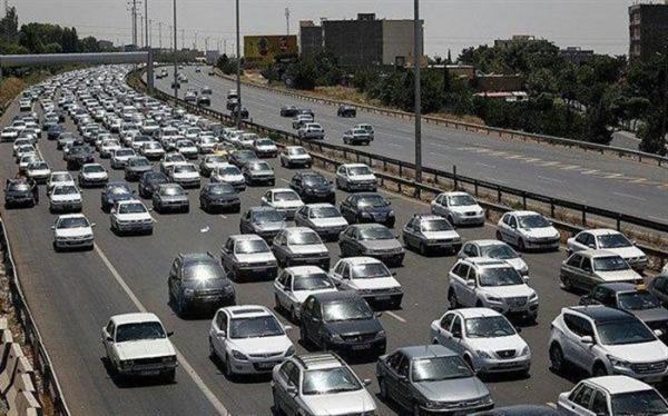 ترافیک نیمه سنگین در آزادراه قزوین - کرج - تهران