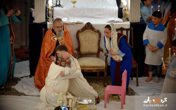 عید پاک در کلیسای سرکیس مقدس، اسقف ارامنه پاهای 12 کودک را شست